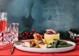 Veanes Rezept: Tofubraten mit Kartoffelstampf, grünen Bohnen und Rotweinsoße 1