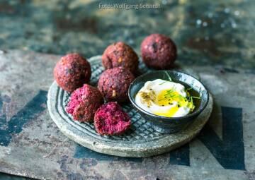 Vegan auf Festivals: Rote Bete Falafel