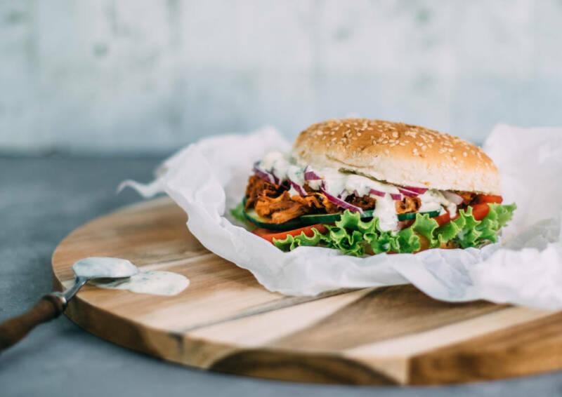 vegan pulled pork burger startbild-1025819-700-990-0