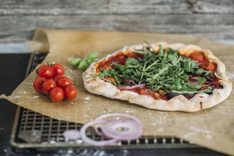 Vegane Pizza aus Bierteig