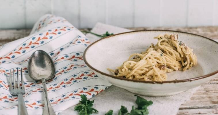 Vegan durch die Woche mit veganer Spaghetti Carbonara und Auberginen-Minz-Salat