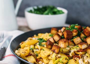 Veganes Gröstl mit Tofu