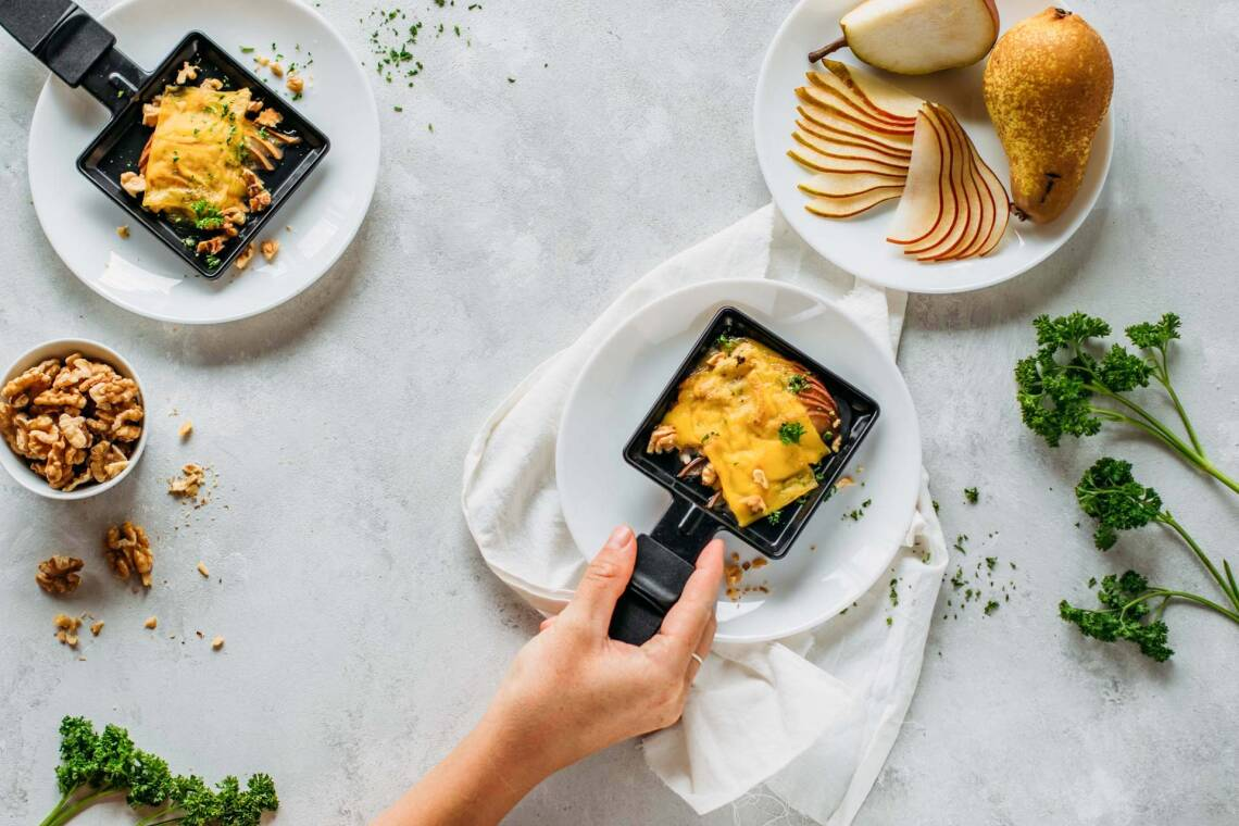 So gelingt dein veganes Raclette: Clevere Tipps & eine tolle Käsealternative
