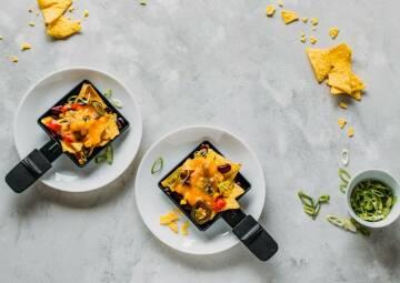 Veganes Raclette-Pfännchen mit Nachos