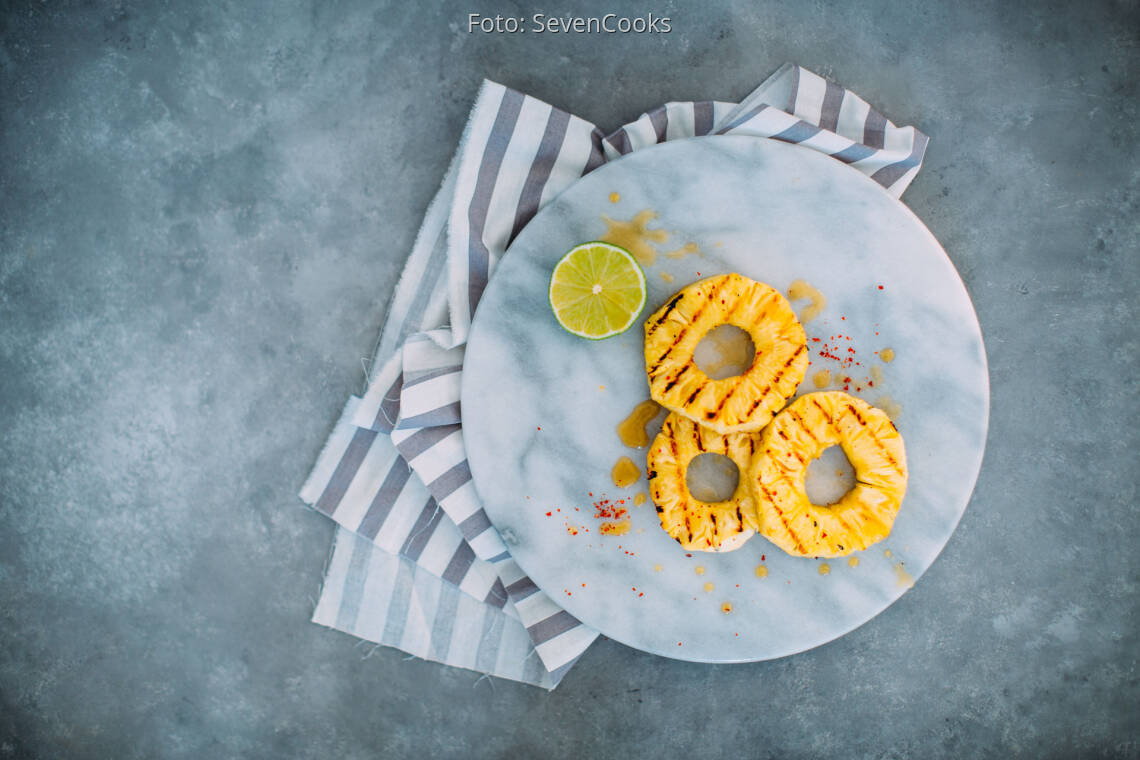 Veganes Rezept: Ananasscheiben mit Limettenmarinade