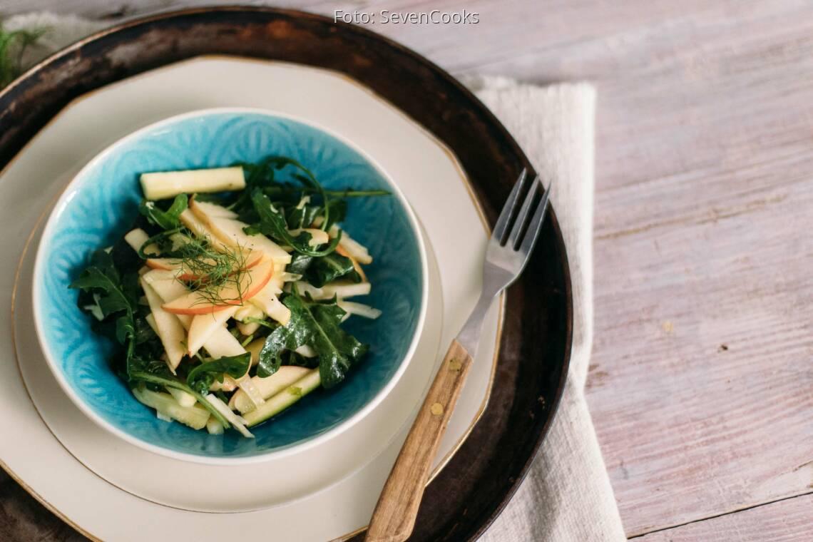 Veganes Rezept: Apfel-Fenchel-Salat mit Rucola und Zucchini_1