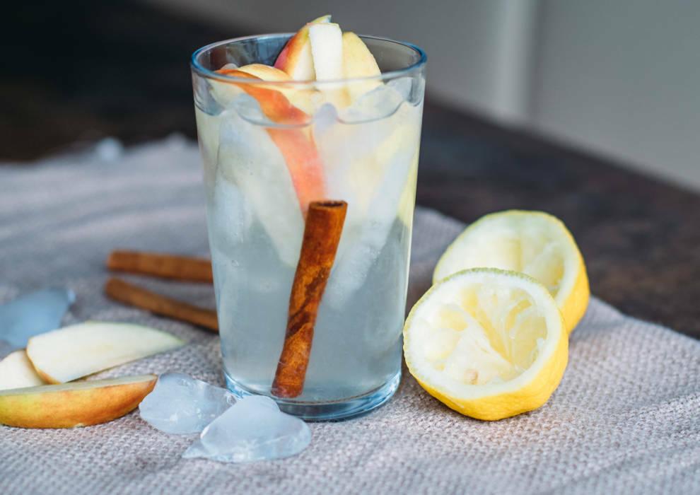 veganes rezept apple flavoured water 3-1023242-700-990-0