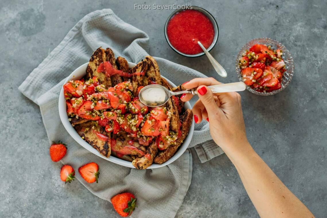 Veganes Rezept: Arme Ritter mit Erdbeeren 1