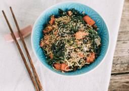 Veganes Rezept: Asia-Nudeln mit Grünkohl 1