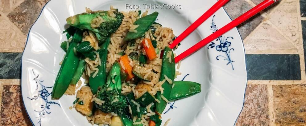 Veganes Rezept: Asiatisches Wokgemüse mit Reis
