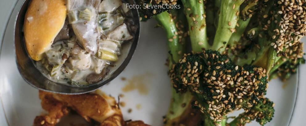Fertiges Rezept: Blumenkohl- und Brokkolisteaks mit cremiger Austernpilzsauce_3