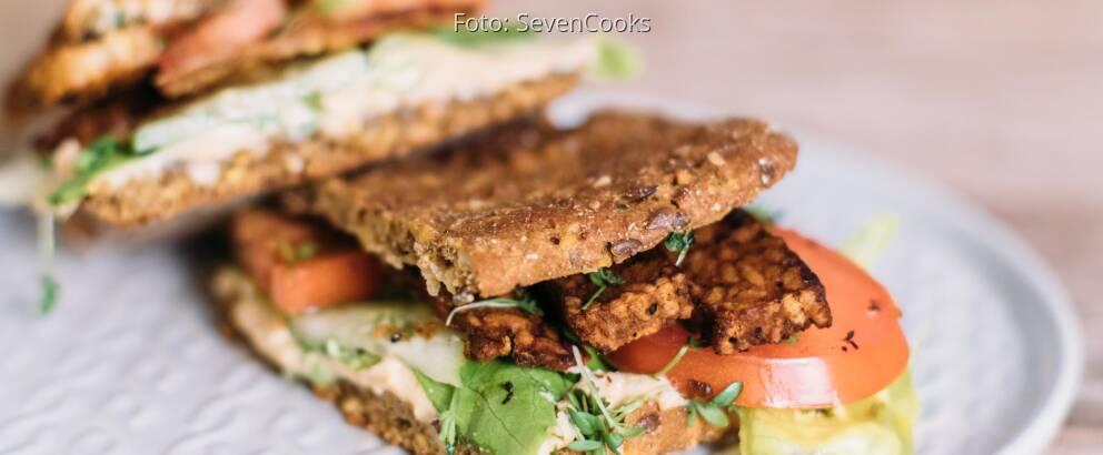 Veganes Rezept: Chrispy Tempeh Sandwich