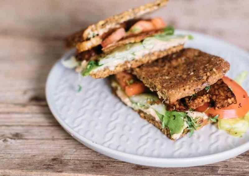 veganes rezept chrispy tempeh sandwich 2-1032591-700-990-0