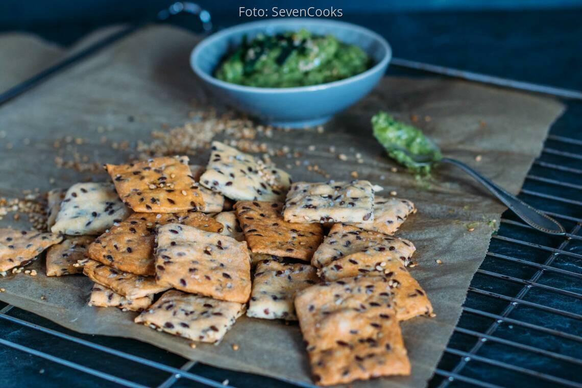 Veganes Rezept: Dinkel-Leinsamen-Cracker 1