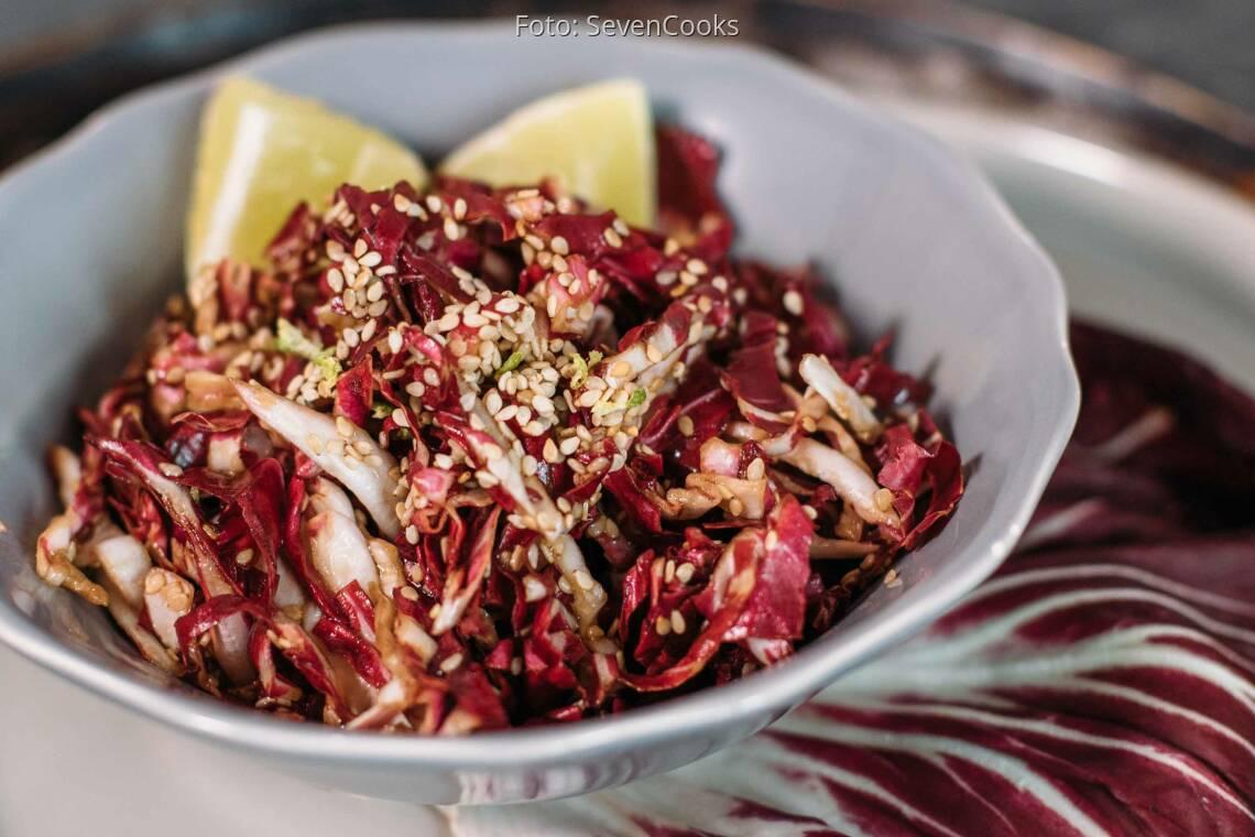 Veganes Rezept: einfacher Sesam-Radicchio-Salat_1