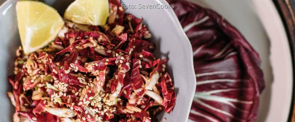Veganes Rezept: einfacher Sesam-Radicchio-Salat_3