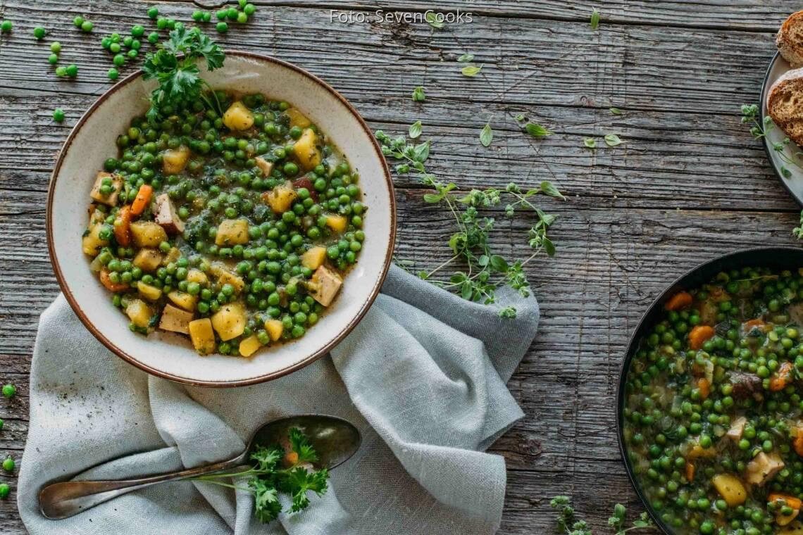 Veganes Rezept: Erbseneintopf mit frischen Kräutern 1