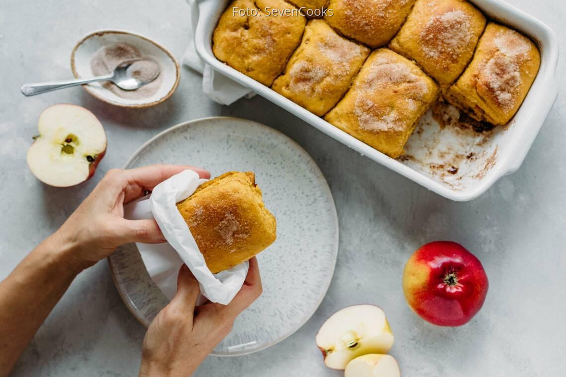 Veganes Rezept: Frühstücksbuchteln mit Kürbis und Apfel 1