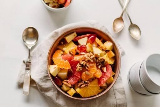 Veganes Rezept: Fruchtsalat mit Nüssen