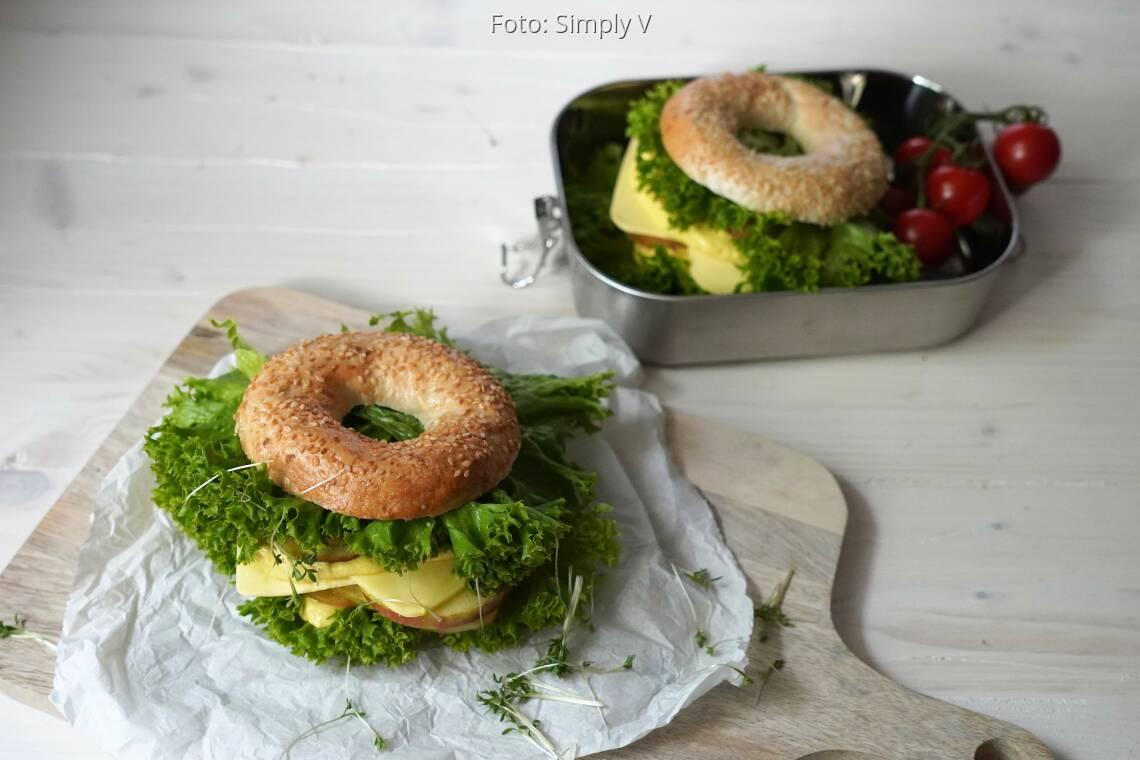 Veganes Rezept: Genießer-Bagel mit Mangocreme von Simply V