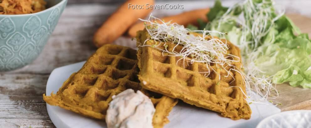 Veganes Rezept: Herzhafte Gemüsewaffeln mit Kräuterquark 2