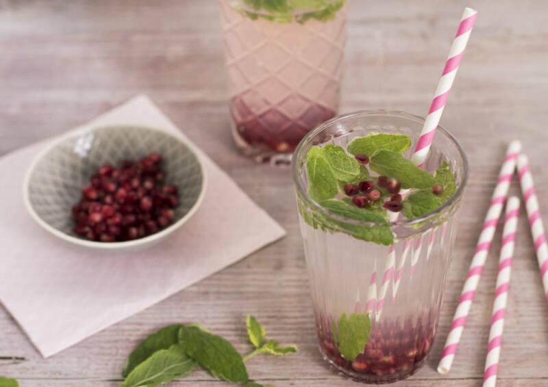 veganes rezept infused water granatapfel minze 3-1026484-700-990-0