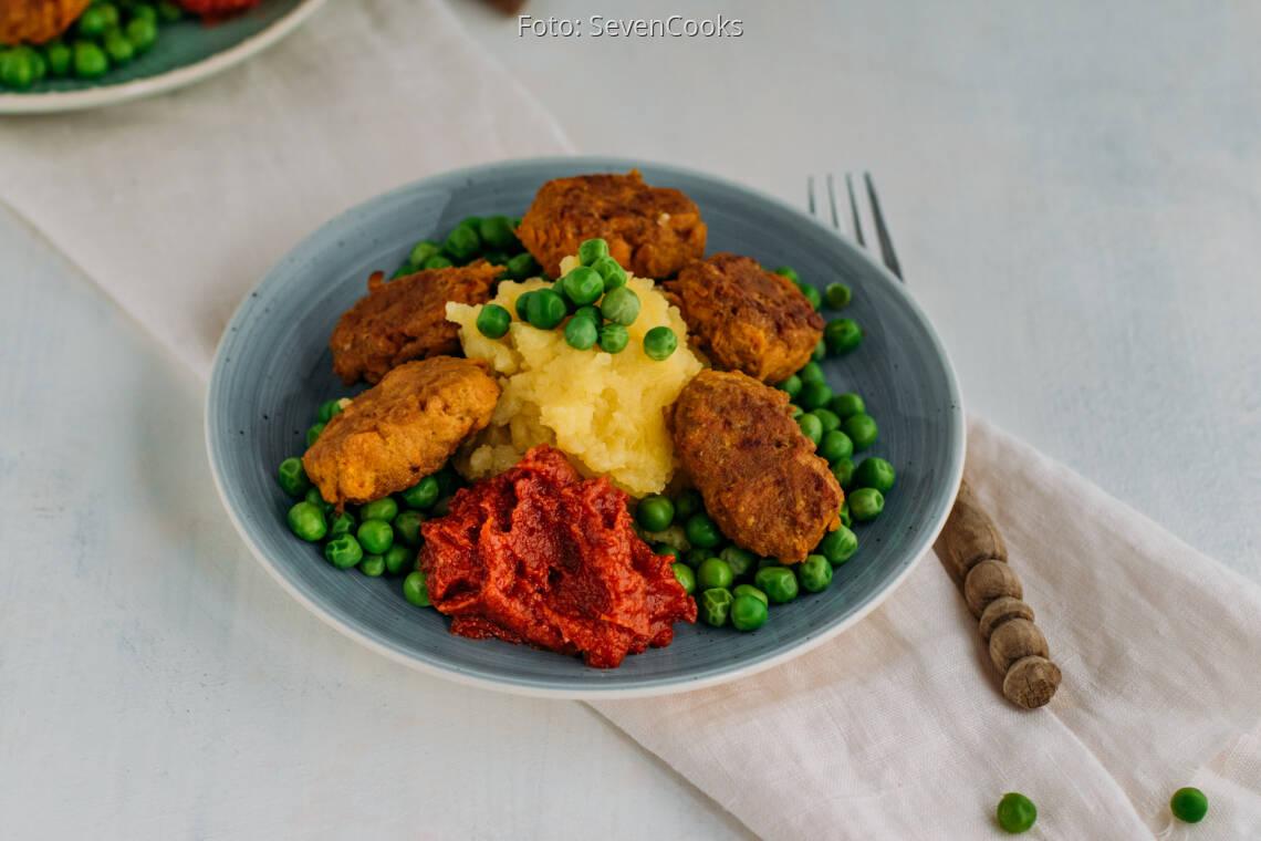 Veganes Rezept: Karotten-Nuggets mit Erbsen und Kartoffelstampf 1