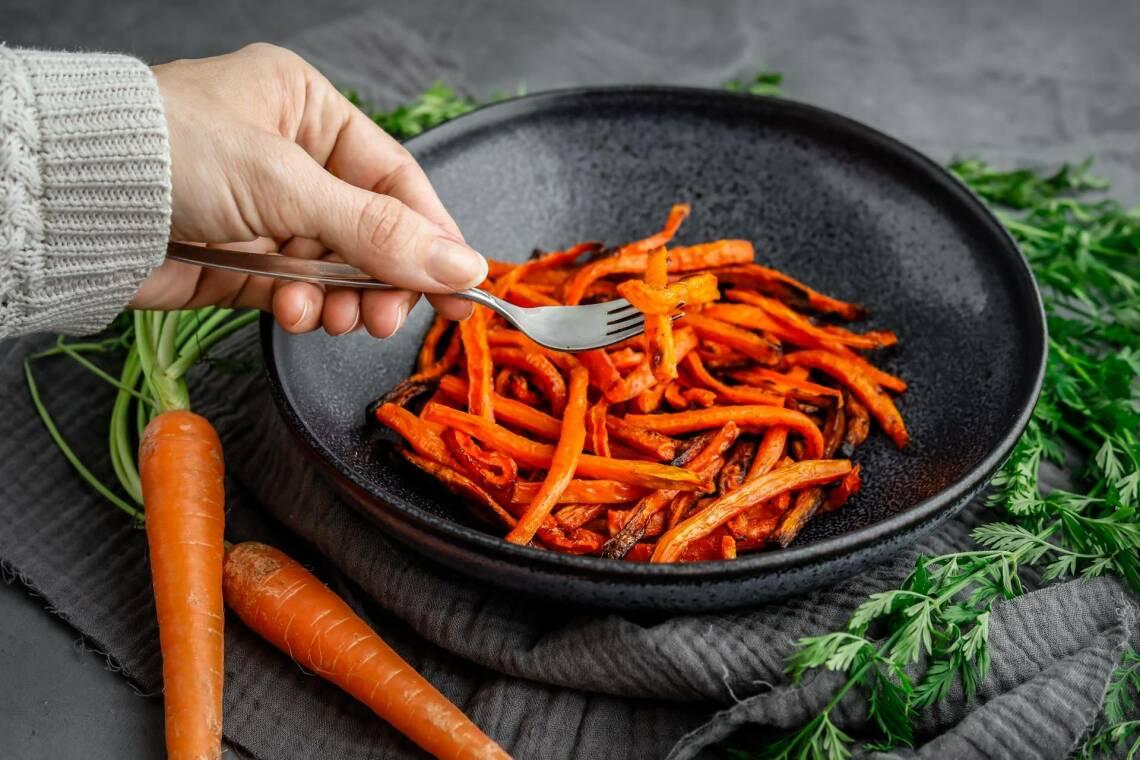 Karottenpommes: Low-Carb-Rezept mit selbstgemachtem Pommesgewürz