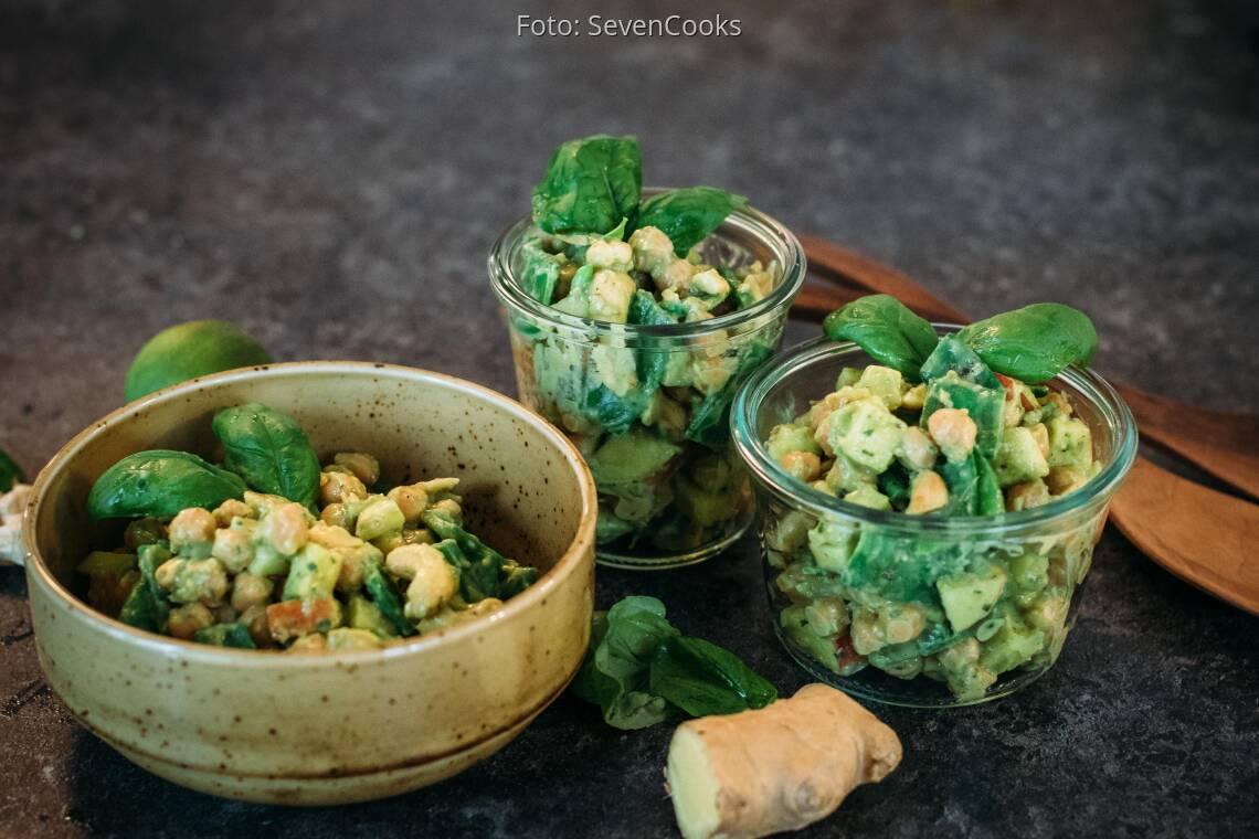 Fertiges Rezept: Kichererbsensalat mit Avocado-Dressing_1