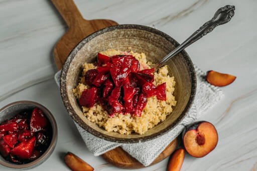 Veganes Rezept: Kokos-Couscous mit Pflaumenkompott 1