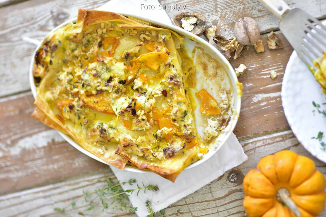 Veganes Rezept: Kürbis-Lasagne mit Zitronen-Thymiankruste von Simply V