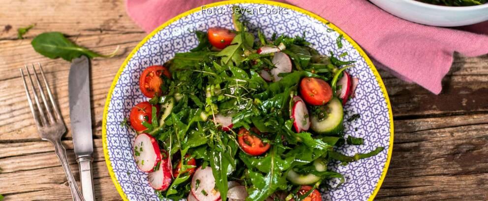 Veganes rezept: Löwenzahn Beilagensalat 2