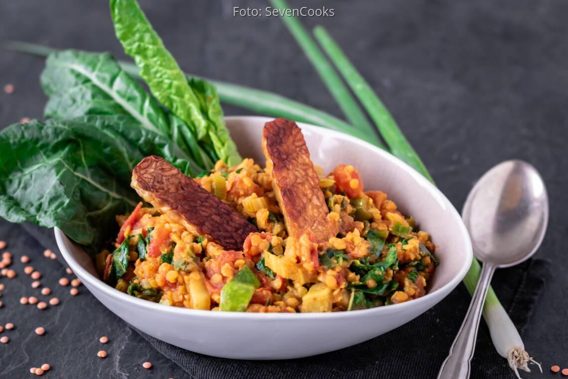 Veganes Rezept: Mangold-Linsen-Eintopf mit Tempehstreifen 1