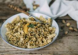 Veganes Rezept: Nudeln mit Pistazien-Haselnuss-Pesto_1