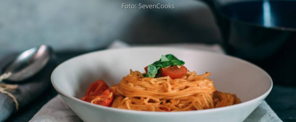 Veganes Rezept: One Pot Pasta mit Kirschtomaten und Basilikum_1