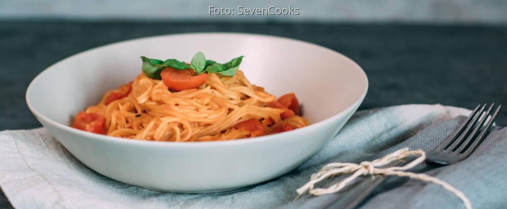 Veganes Rezept: One Pot Pasta mit Kirschtomaten und Basilikum_3