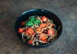 Fertiges Rezept: Pasta mit Aubergine und Kirschtomaten