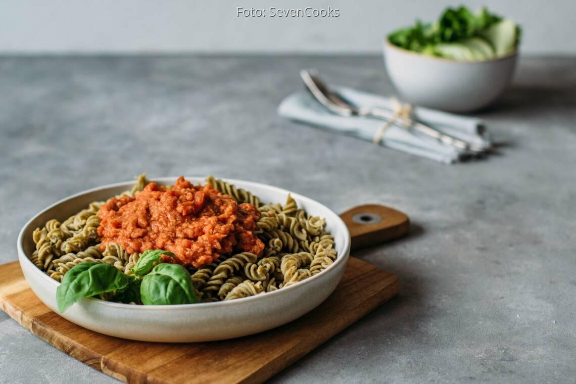 Veganes Rezept: Pasta mit Grünkern-Bolognese 1
