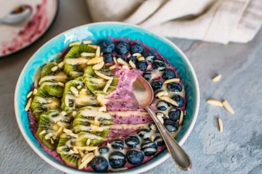 Veganes Rezept: Quinoa-Frühstücksbowl_1
