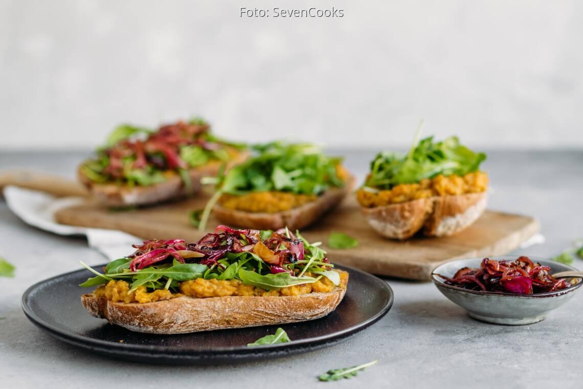 Veganes Rezept: Sandwich mit Linsencreme und Balsamico-Zwiebeln 1