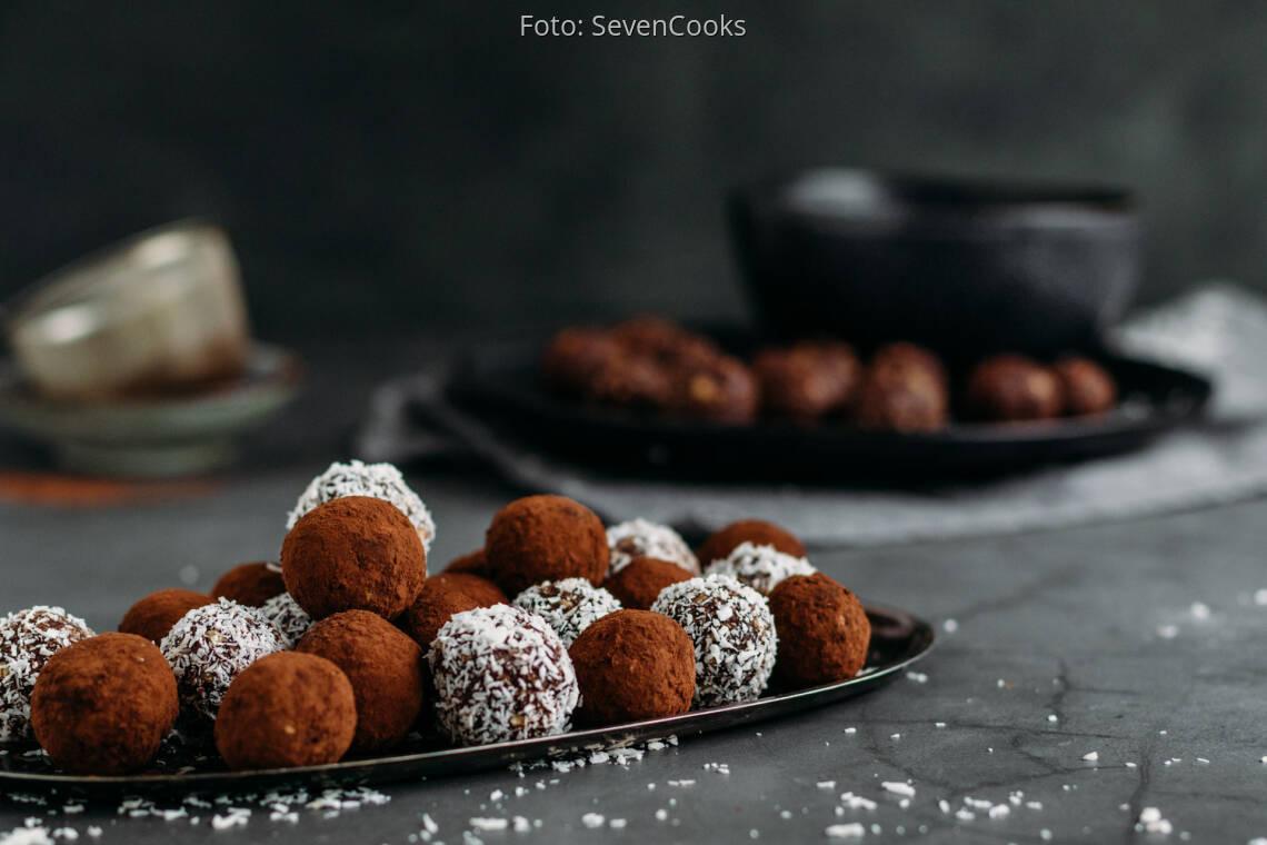 Veganes Rezept: Schokoladen-Kokos-Kugeln 1
