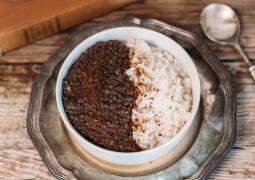 Veganes Rezept: Schwarzer Linsendal mit Reis
