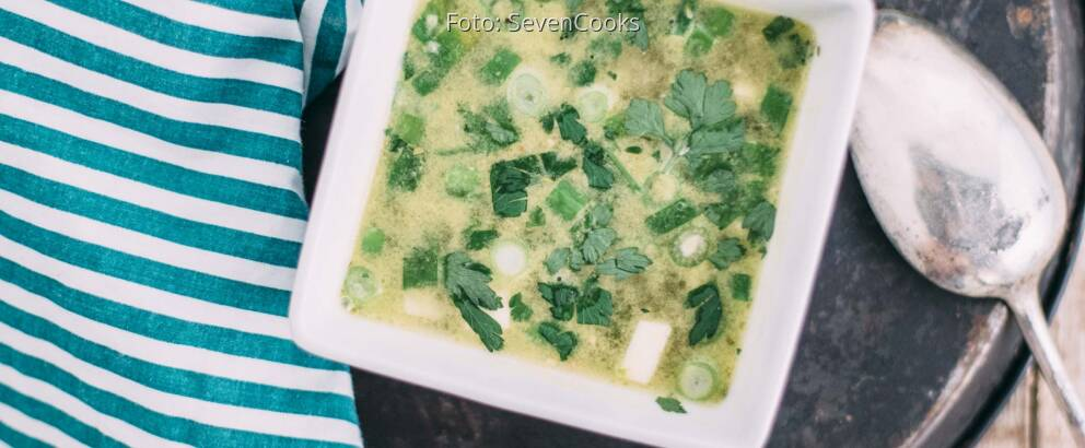 Veganes Rezept: Selbst gemachte Gemüsebrühe mit Einlage 3