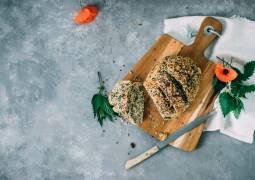 Veganes Rezept: Selbstgemachtes Brennnesselbrot