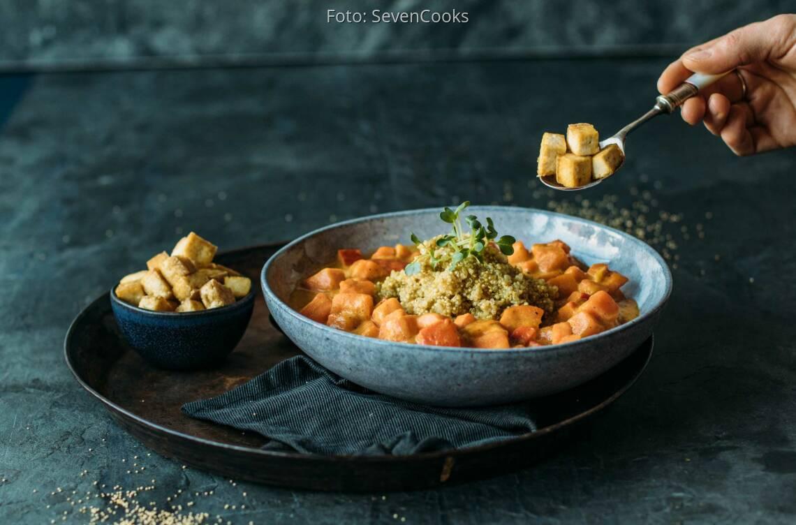 Veganes Rezept: Süßkartoffel Kürbis Ragout an Quinoa