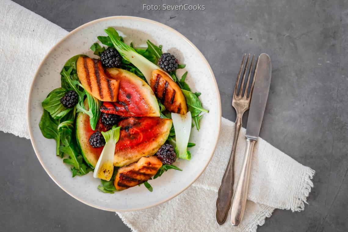 Veganes Rezept: Sommersalat mit Grillmelone und Brombeeren 1