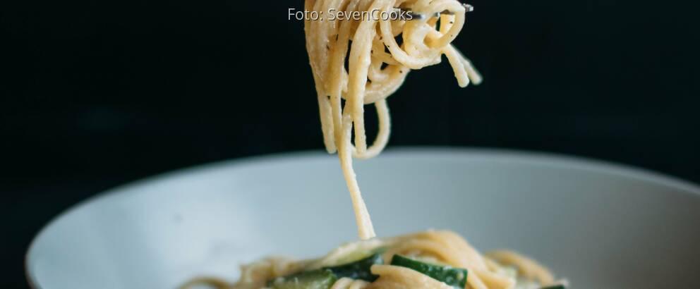 Veganes Rezept: Spaghetti mit veganer Zucchinisoße_1