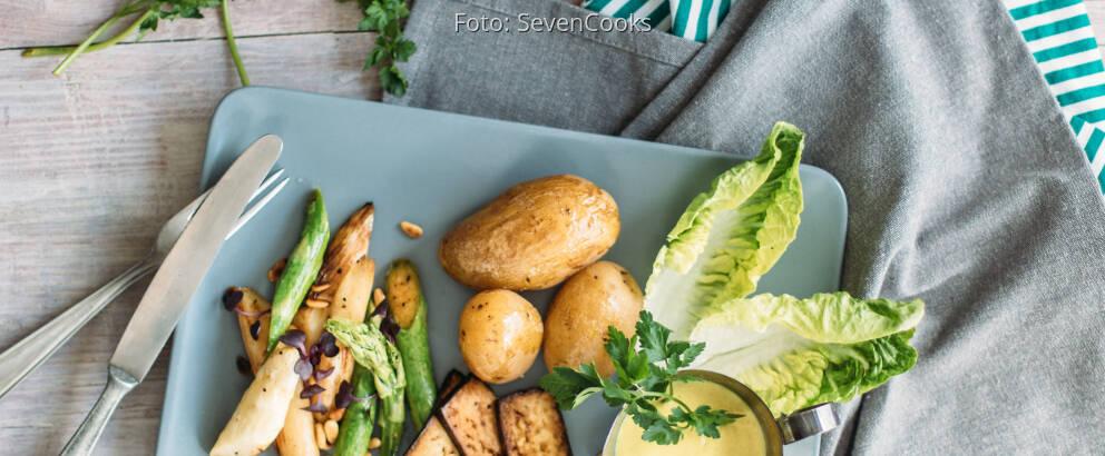Veganes Rezept: Spargel mit veganer Sauce Hollandaise