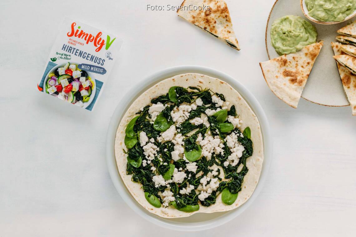Veganes Rezept: Spinat-Quesadillas mit veganem Feta von Simply V 1