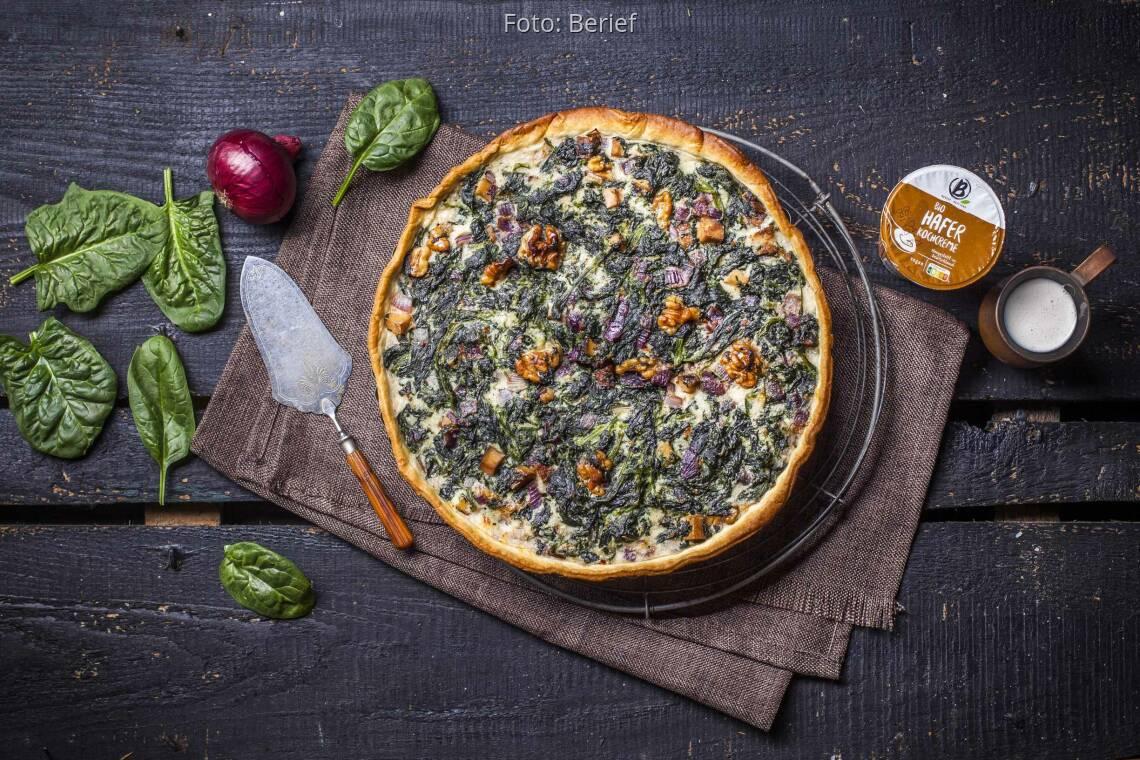 Veganes Rezept: Spinat-Quiche mit Räuchertofu von Berief